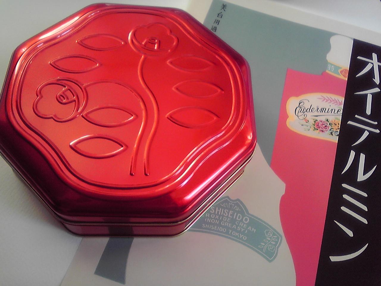 【オススメ】資生堂パーラー、赤の花椿缶